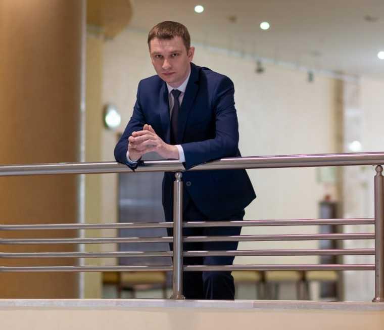 Директор департамента культуры ХМАО Латыпов скандал директор музыкально-драматического театра Лычкатая