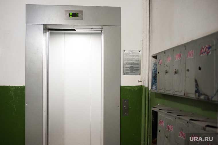 В Петербурге в жилом доме рухнул лифт с пассажирами