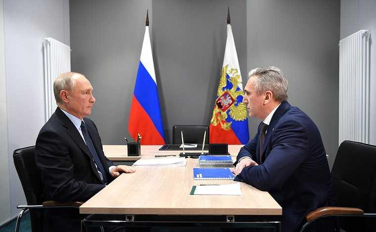 Экономист ВШЭ сказал кто прав в споре Путина и Моора о зарплатах