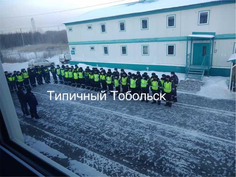 За день до визита Путина в Тобольск стянули десятки нарядов ГИБДД