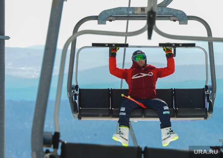 Челябинская область Солнечная долина горные лыжи холод мороз закрыли подъемники