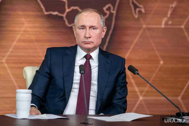 Невзоров власти Путина остался год