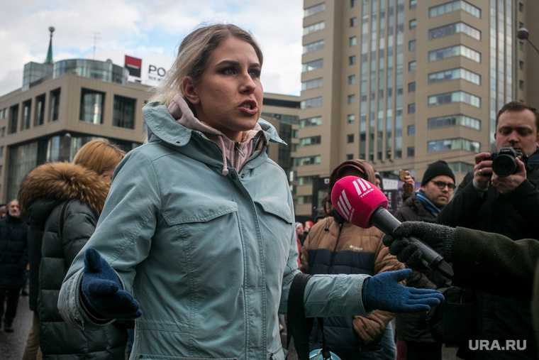 Любовь Соболь видео проникновение в квартиру Алексей Навальный отравление