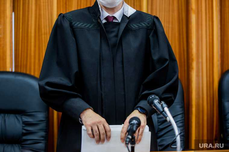 Рассмотрение апелляции на арест мэра Троицка Александра Виноградова в областном суде. Челябинск