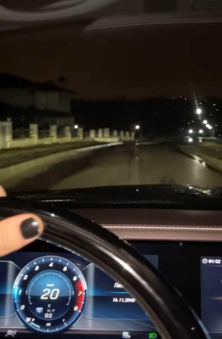 СМИ: Даня Милохин ездит на Maybach без прав. Фото