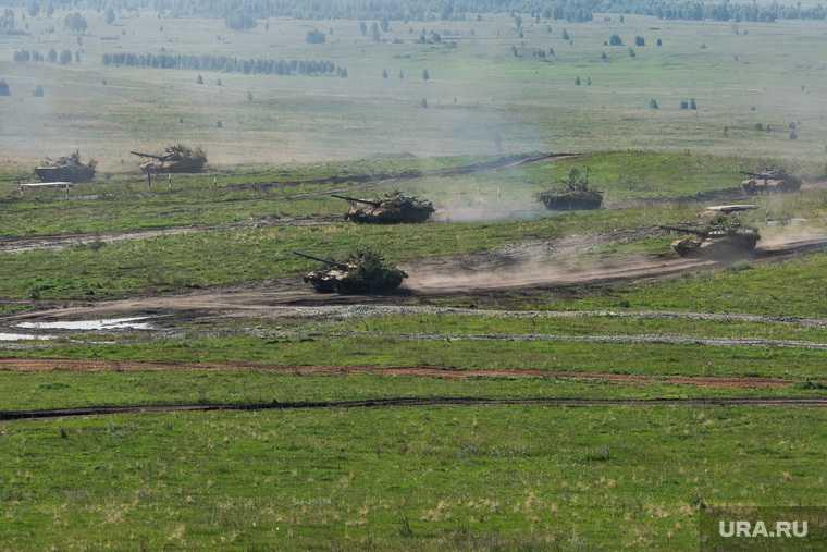 Украина перебросила к Донбассу наступательную технику