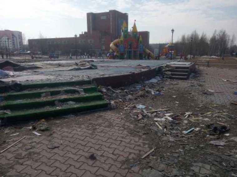 Жители в городах ХМАО жалуются на горы мусора. Фото