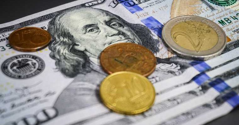 доллар в июне